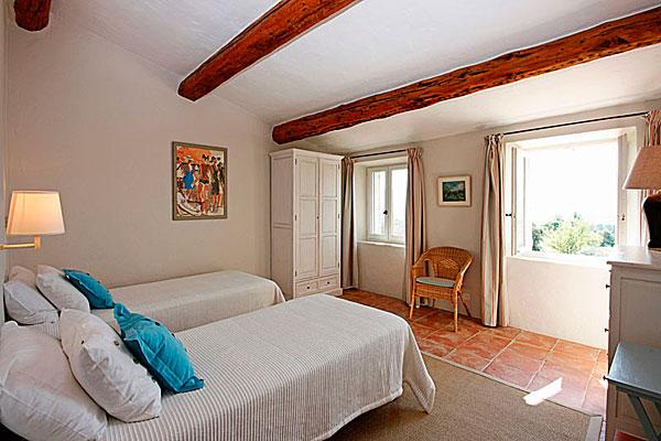спальня в проекте дома