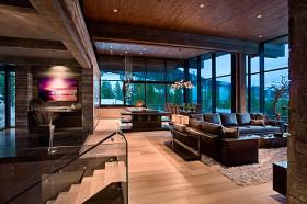 Дом с мансардой в стиле шале с роскошным интерьером