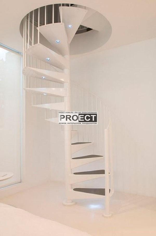 дом на маленьком участке     лестница