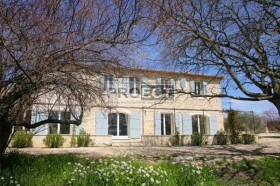 Старый дом в стиле прованс, Франция, Люберон