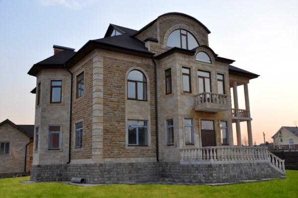 fasad-doma-oblicovochniy-kamen (2)